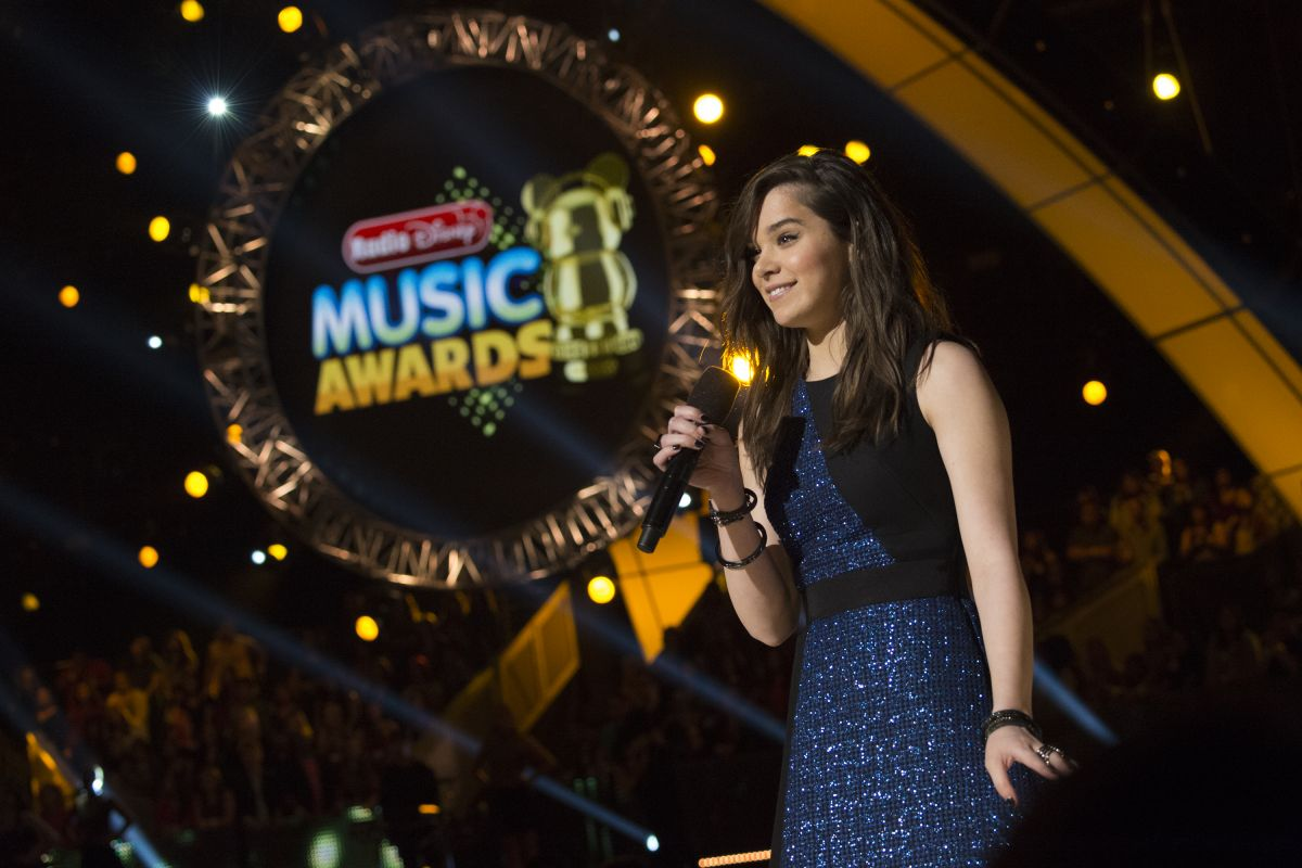 HAILEE STEINFELD at 2015 Radio Disney Music Awards in Los Angeles