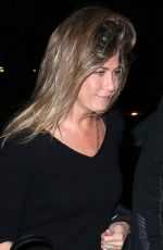 JENNIFER ANISTON Arrives at Her Hotel in New York 0/29/2015