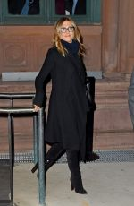 JENNIFER ANISTON LeavEs a Theater in New York 04/25/2015