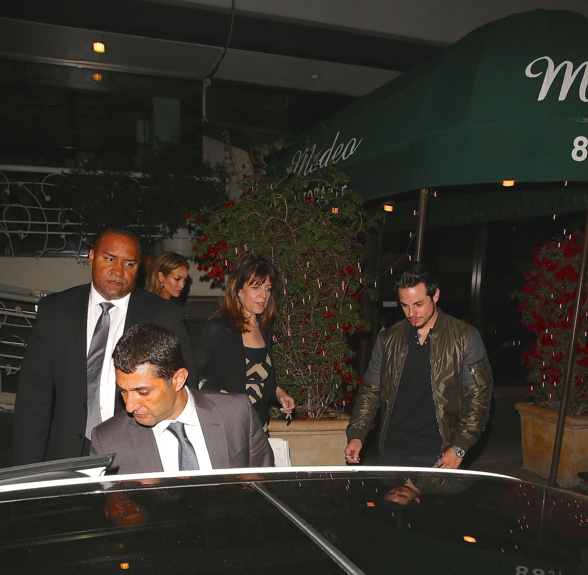 Celebrities Dine Out at Madeo Restaurant in L.A. - Yahoo
