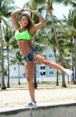JENNIFER NICOLE LEE Working Out on the Beach in Miami 04/23/2015