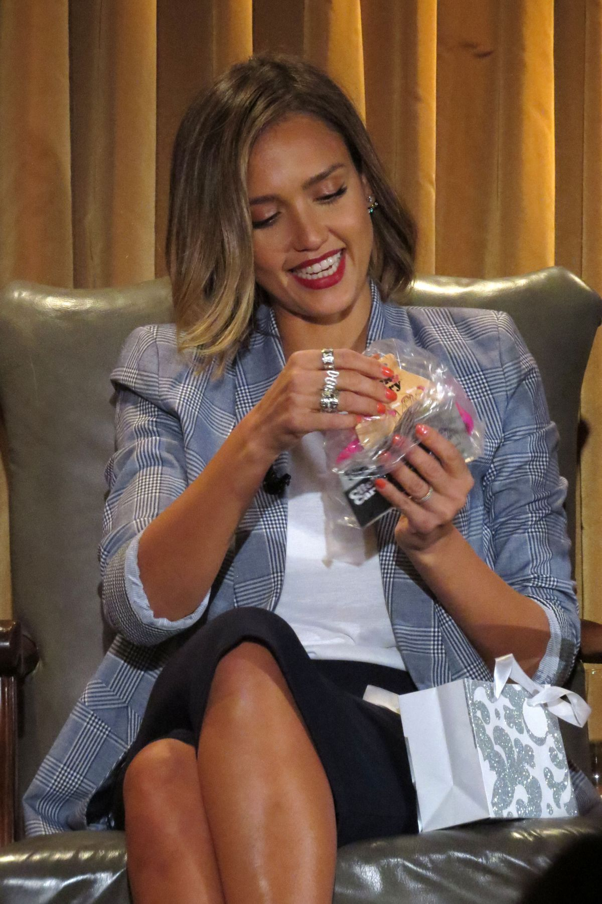 JESSICA ALBA at Honest Company Q&A in Beverly Hills - HawtCelebs