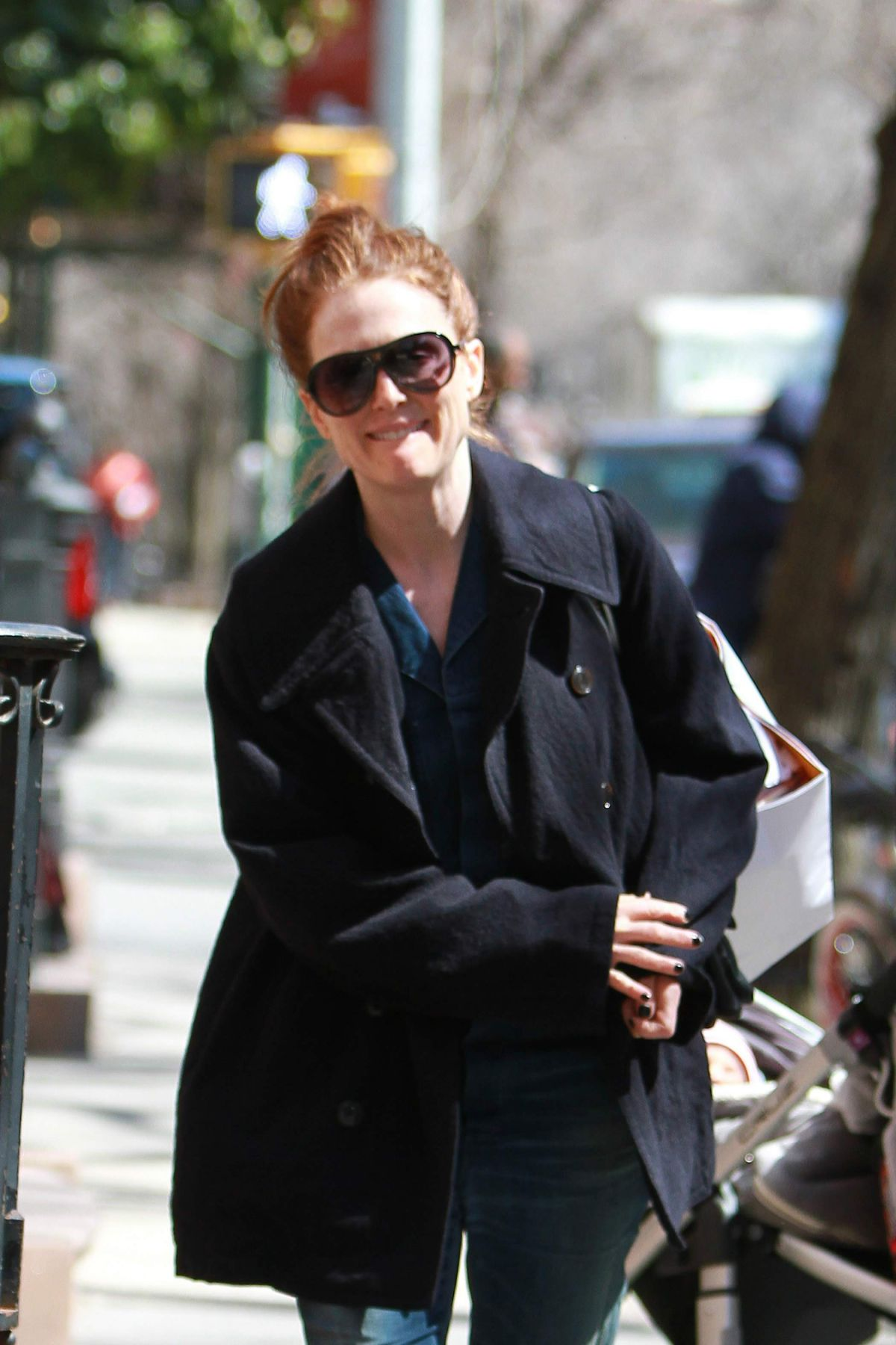 JULIANNE MOORE Out and About in New York