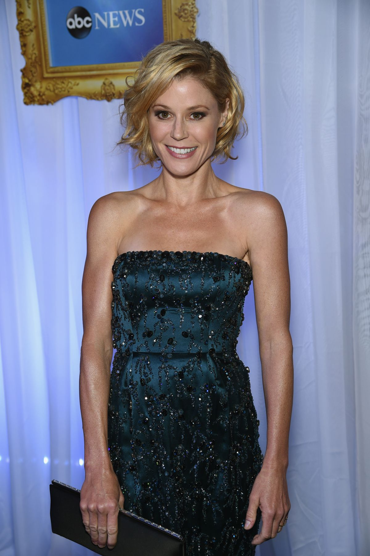 JULIE BOWEN at White House Correspondents Association Dinner in Washington