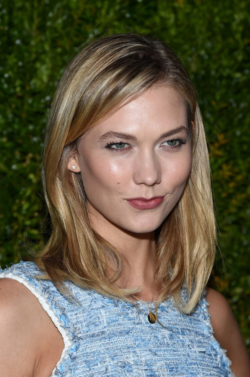 Karlie Kloss At Chanel Dinner At Tribeca Film Festival In