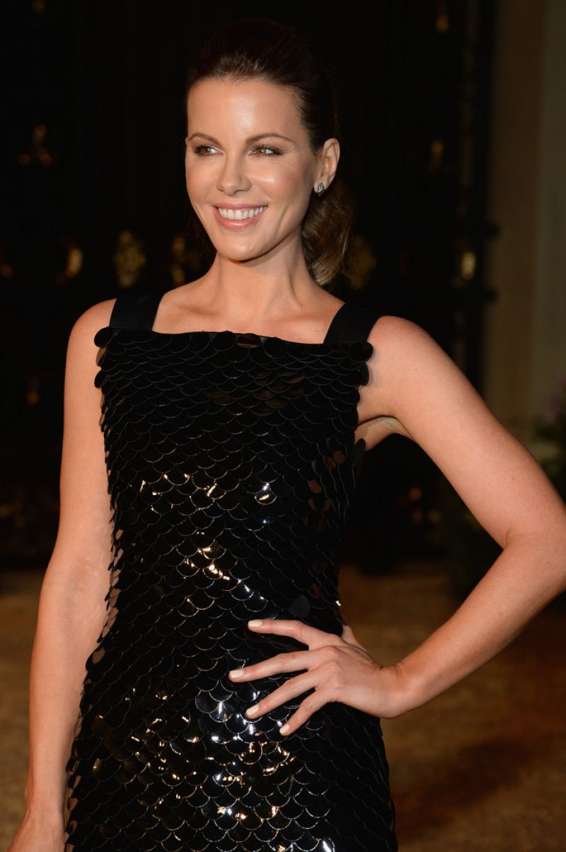 KATE BECKINSALE at Burberry London in Los Engeles Event in Los Angeles ...