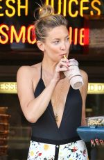 KATE HUDSON Out in Brentwood