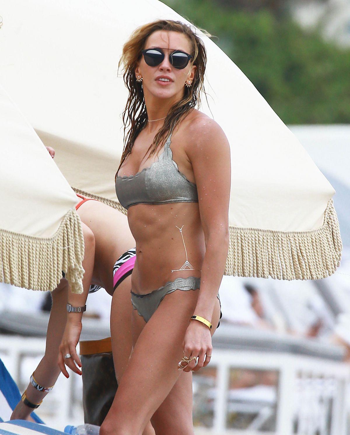 Bikini Caity Lotz nudes (93 photos), Ass, Is a cute, Feet, cameltoe 2006