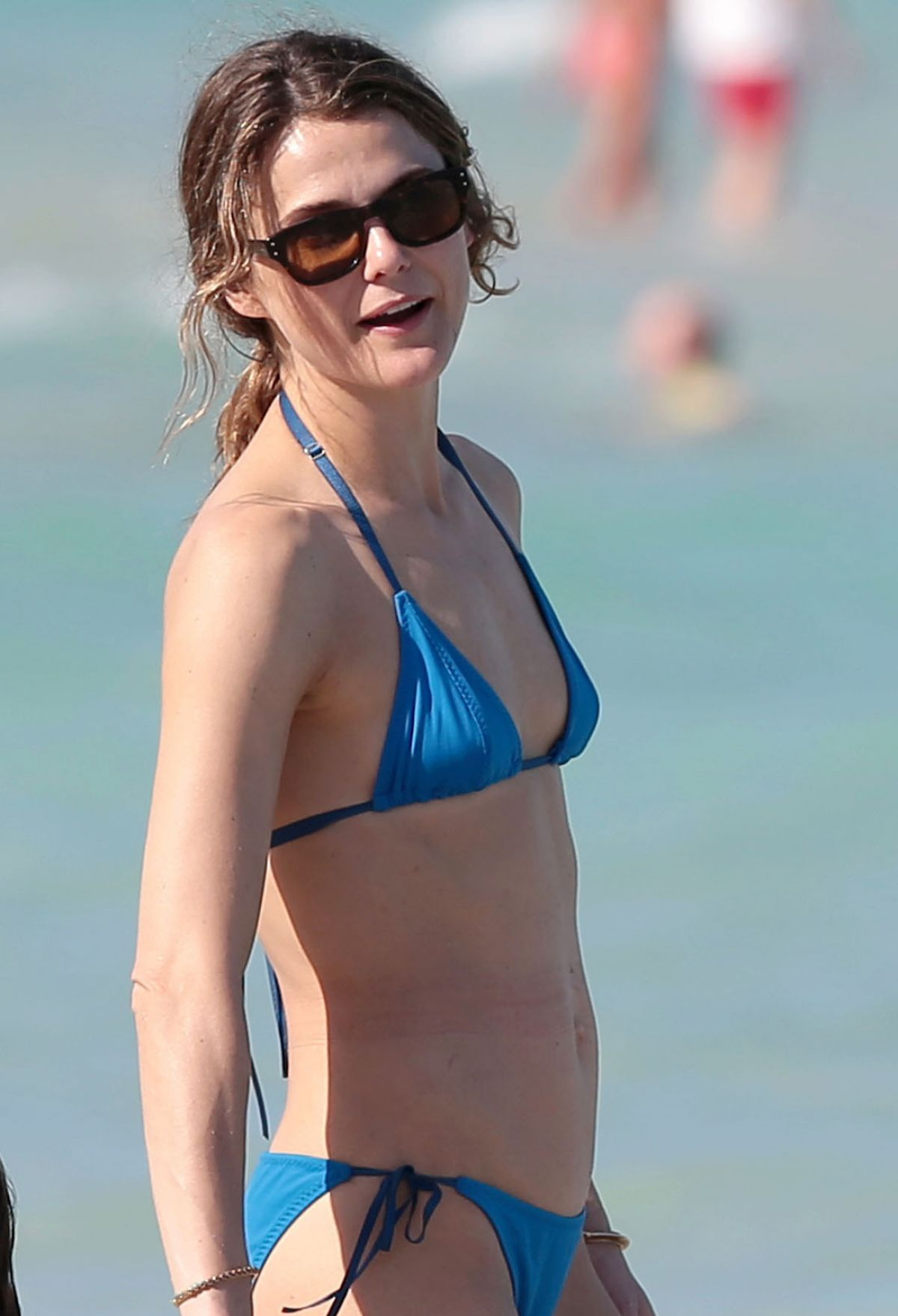 keri russell in blue bikini on the beach in miami - hawtcelebs