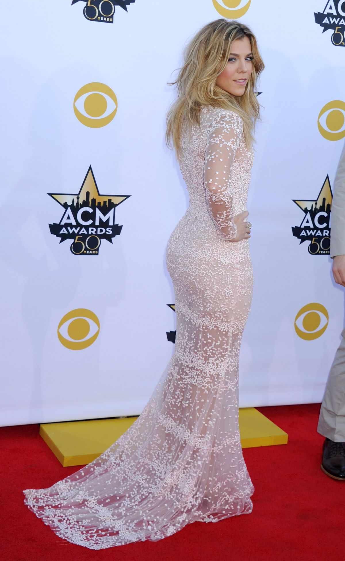 KIMBERLY PERRY at Academy of Country Music Awards 2015 in ... Jennifer Lopez On Facebook