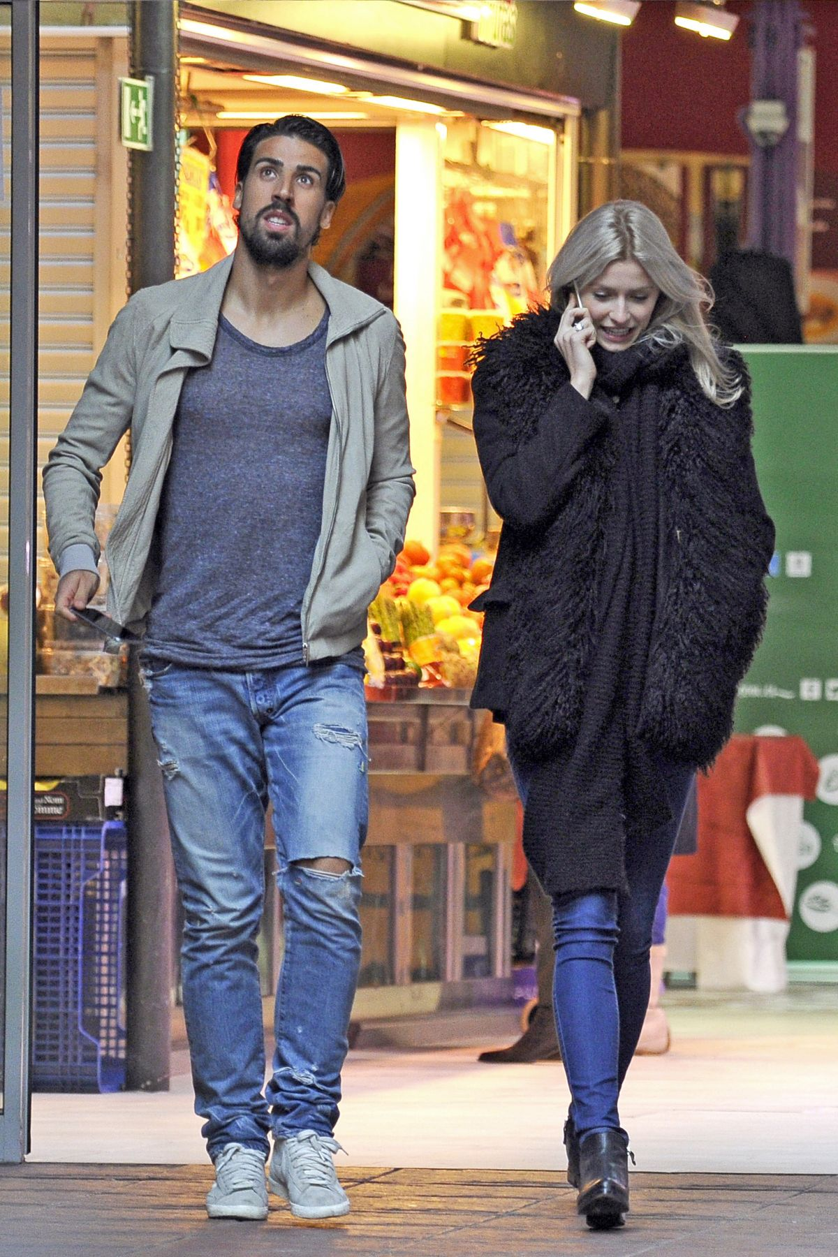 Lena Gercke And Sami Khedira Out Shopping In Madrid 29 01
