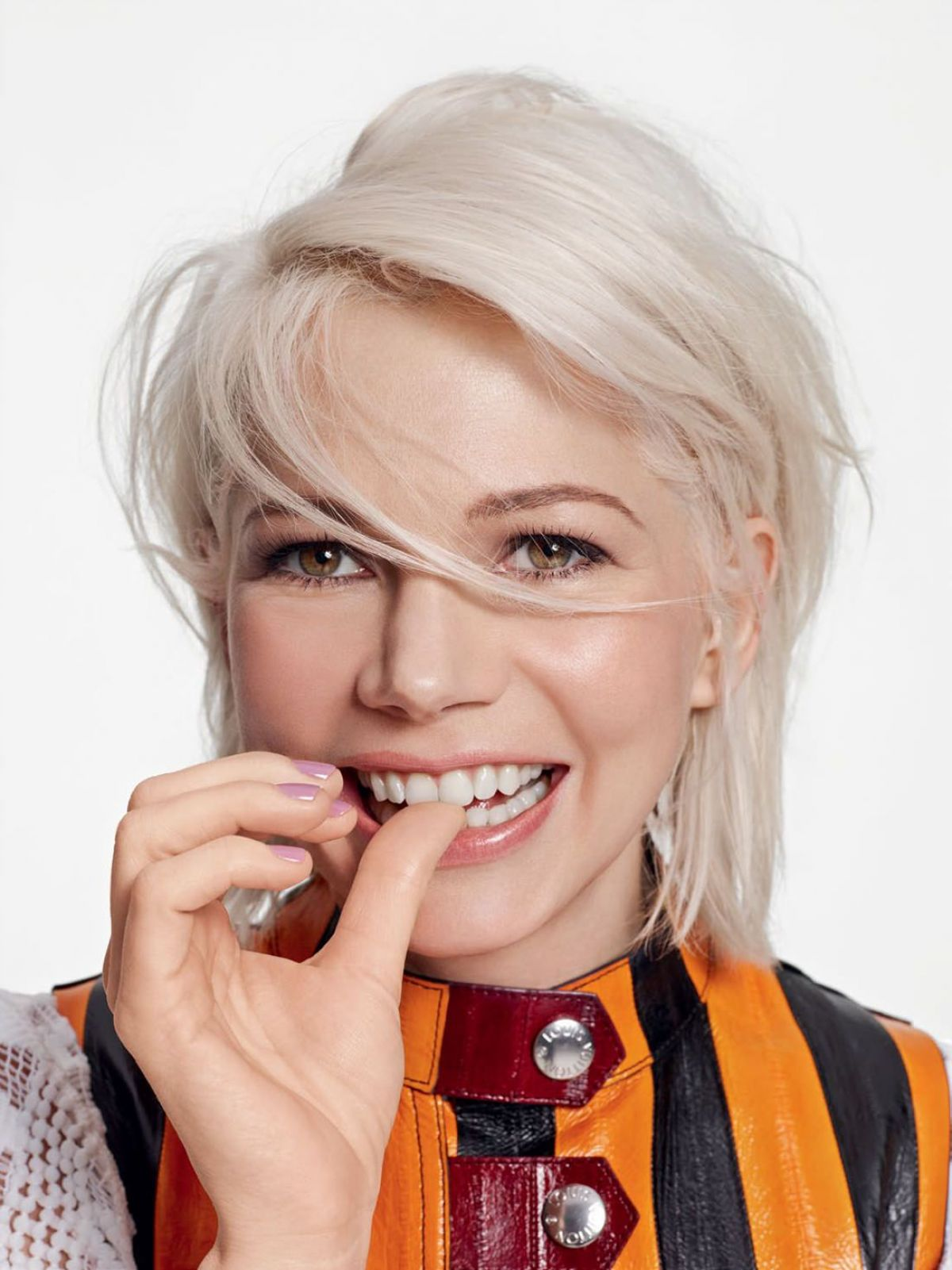 MICHELLE WILLIAMS in Elle Magazine, April 2015 Issue - HawtCelebs ...