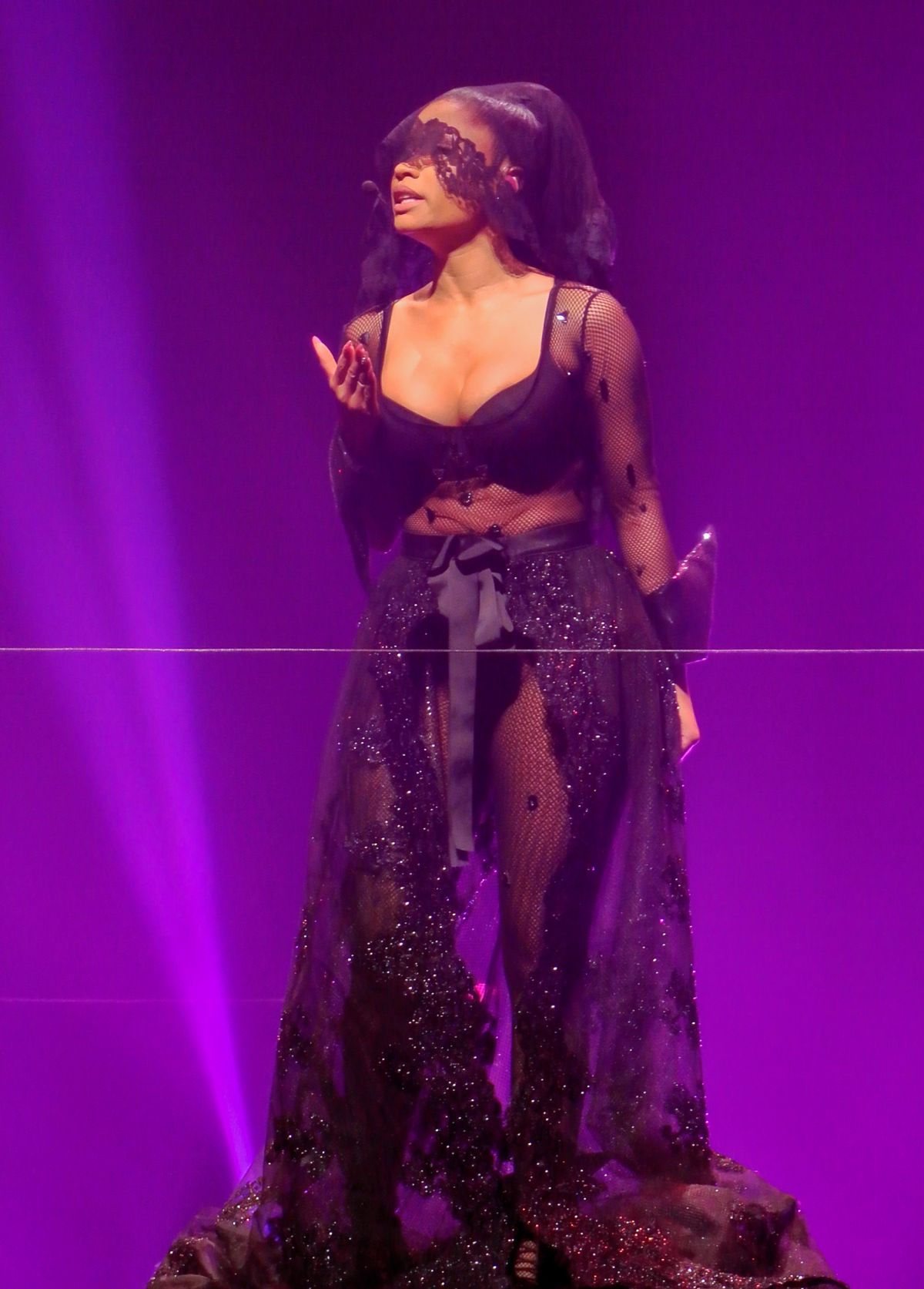 nicki-minaj-performs-on-the-pinkprint-tour-in-birmingham_3