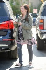 Pregnant JENNIFER LOVE HEWITT Out for Grocery Shopping in Pacific Palisades
