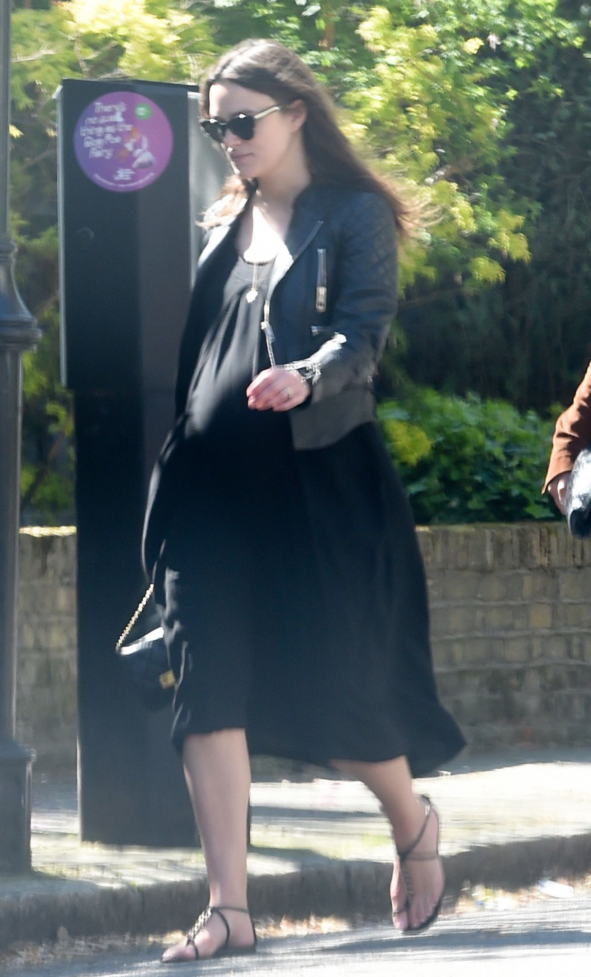 Pregnant KEIRA KNIGHTLEY Out in North London - HawtCelebs
