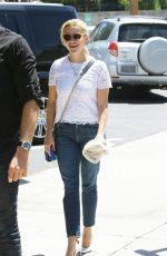 REESE WITHERSPOON Out for Lunch with Friends in Santa Monica