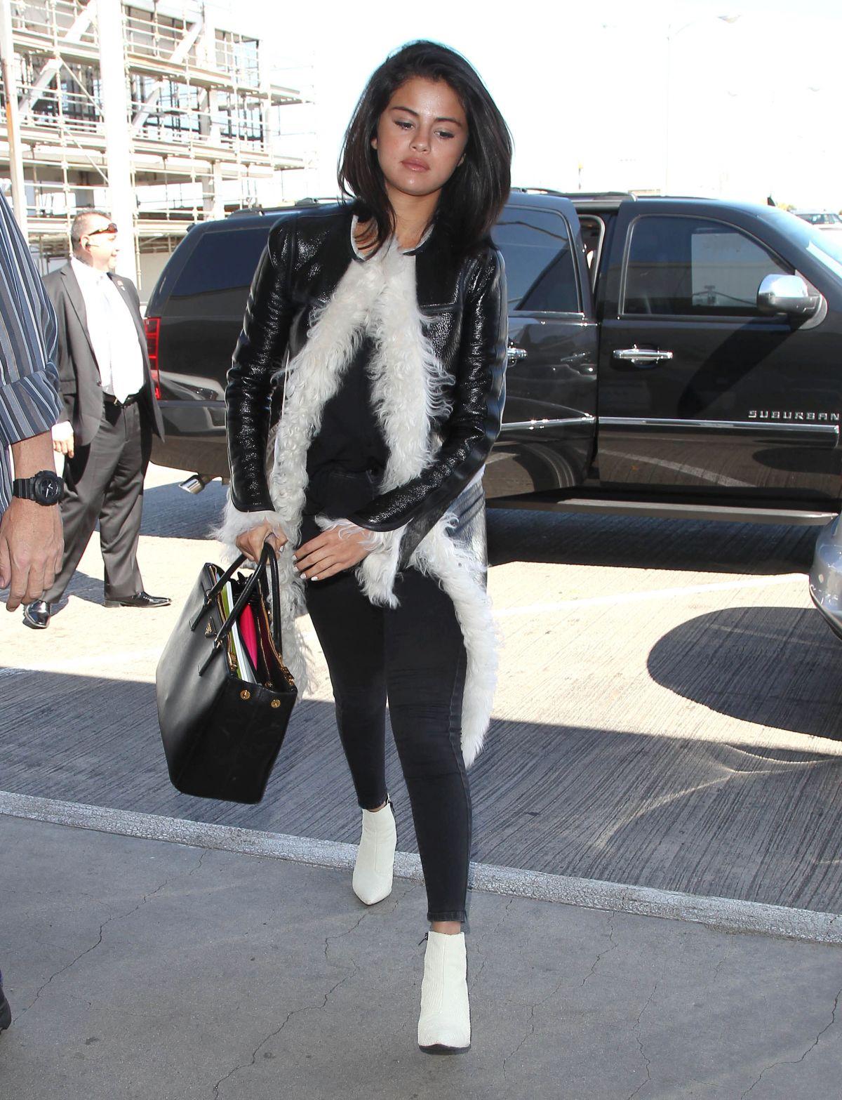 Selena Gomez At Los Angeles International Airport 04282015