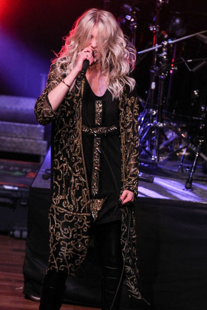 TAYLOR MOMSEN Performs at The Ryman Auditorium