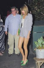 TAYLOR SWIFT Out and About in New York 04/18/2015