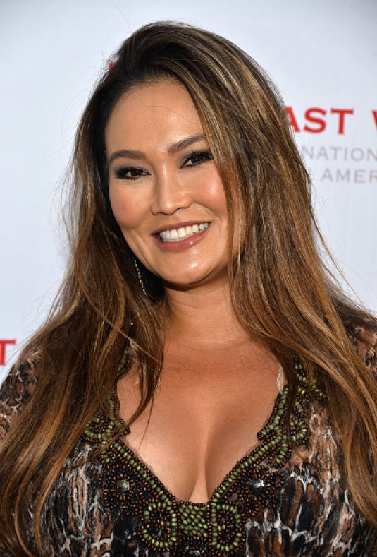 tia carrere accent