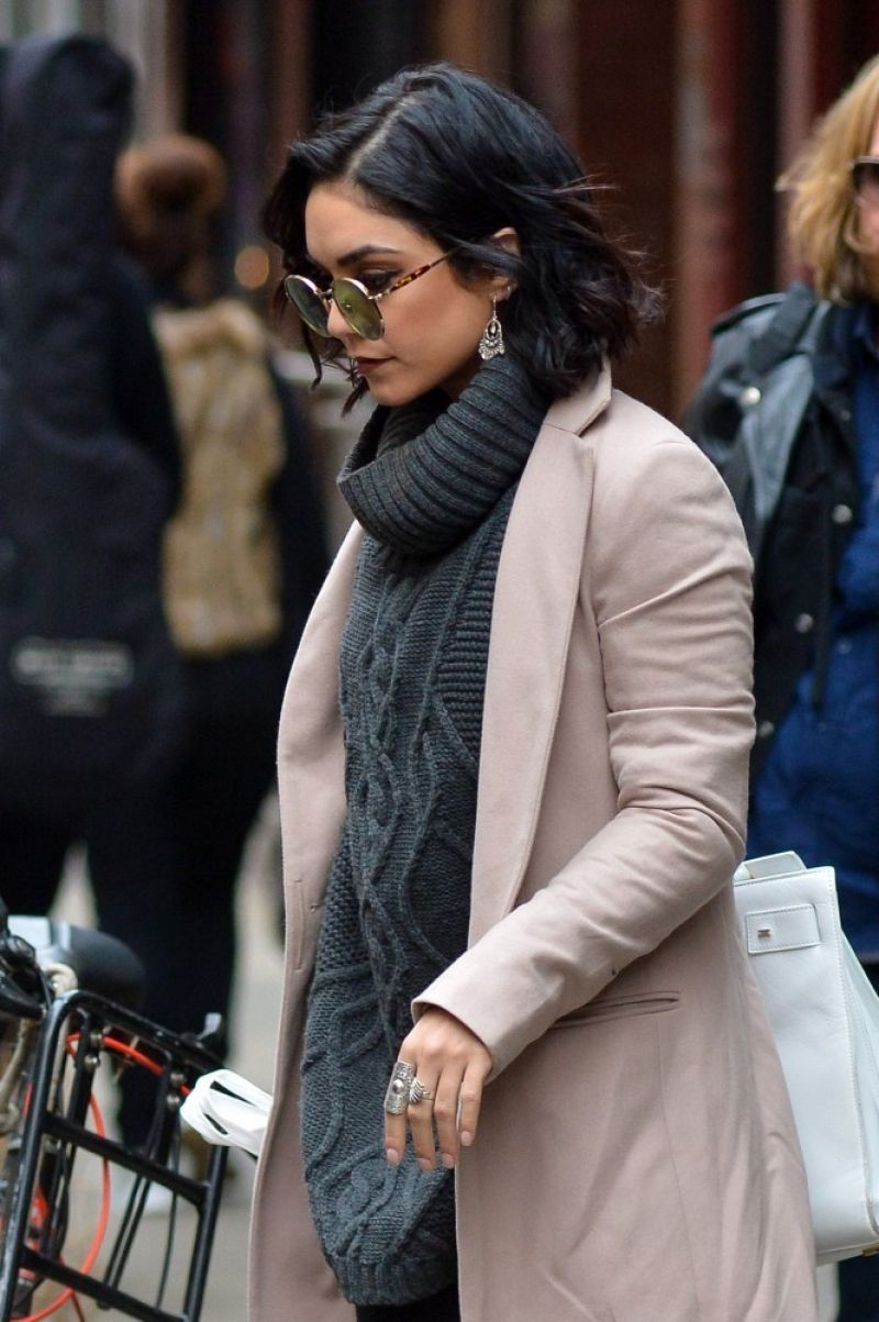 VANESSA HUDGENS Out in New York - HawtCelebs
