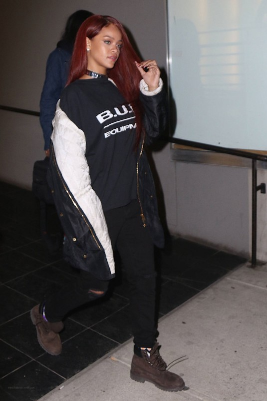 RIHANNA Leves a Recording Studio in New York