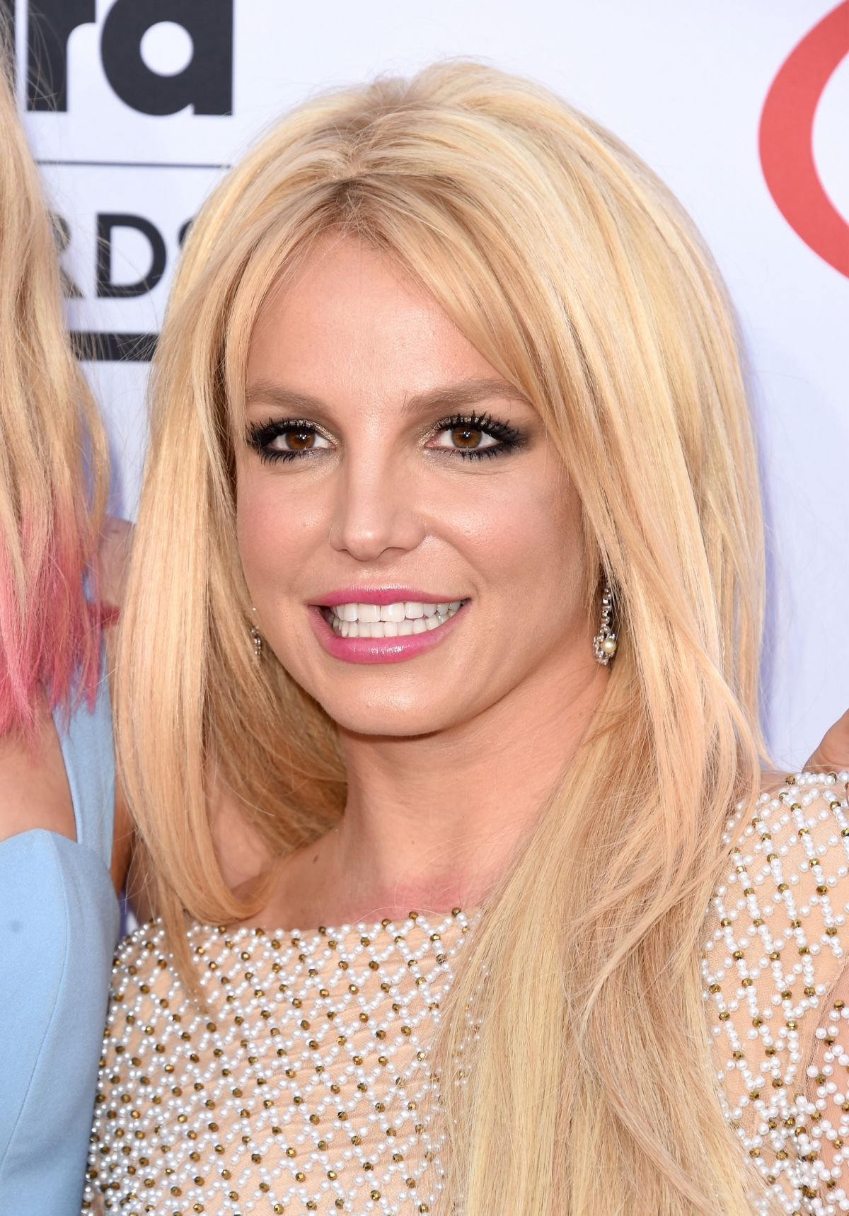 What's behind Britney's smile? - Britney Spears Forum ...