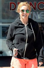 BRITNEY SPEARS Leaves Drenched Fitness in Thousand Oaks 05/10/2015