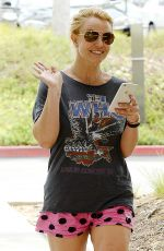 BRITNEY SPEARS Out and About in Westlake Village 05/11/2015
