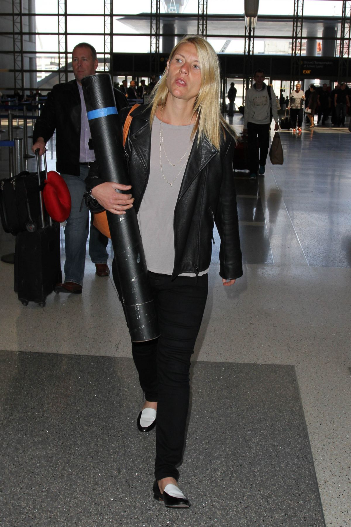 CLAIRE DANES Arrives at LAX Airport in Los Angeles 05/21/2015