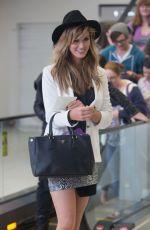 DELTA GOODREM Arrives at Airport in Adelaide 05/04/2015