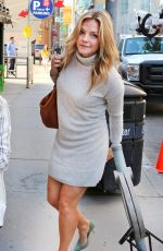 ELOISE MUMFORD Leaves Breakfast Television in Toronto 05/04/2015