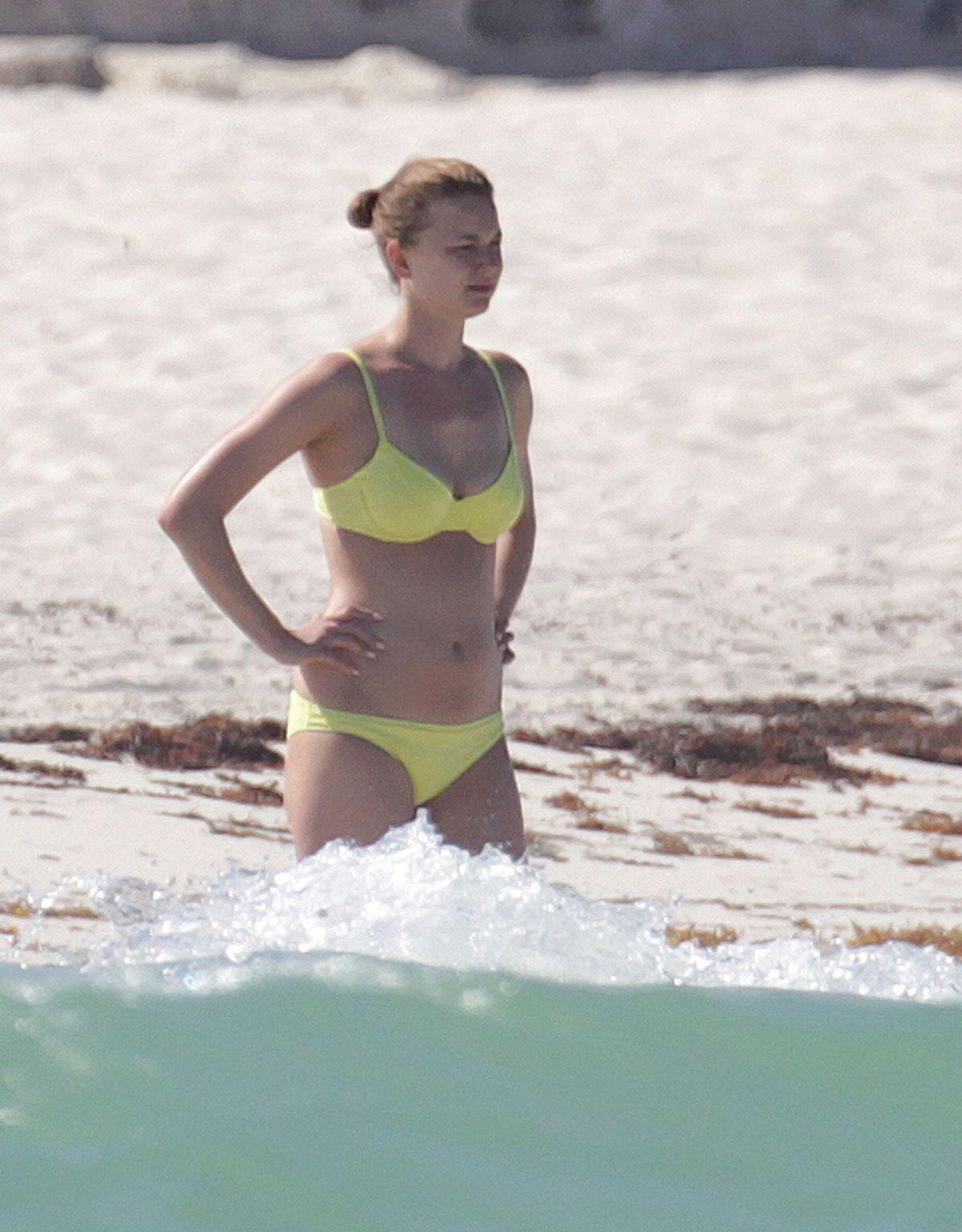 Bikini Emily VanCamp naked (77 foto and video), Tits, Is a cute, Selfie, bra 2017