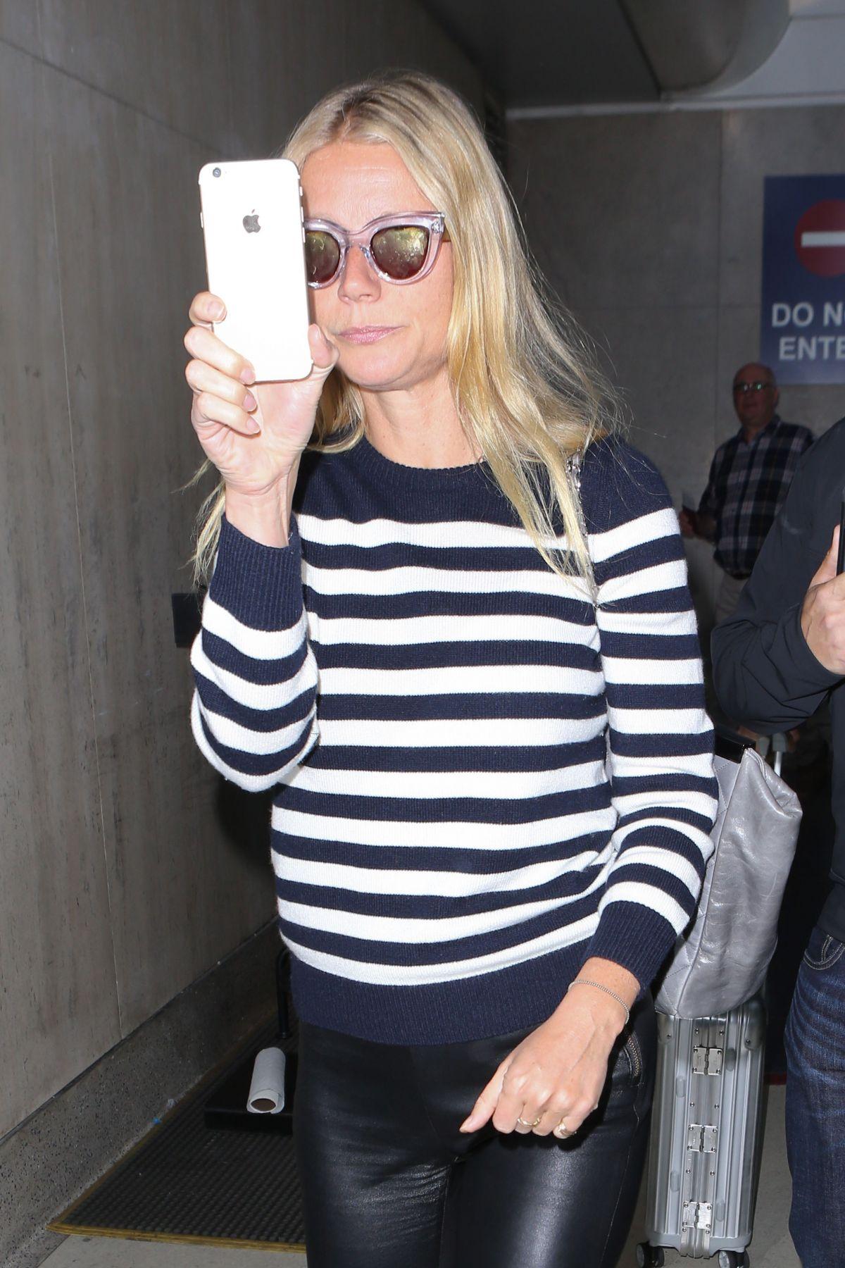 GWYNETH PALTROW Arrives at Los Angeles International Airport 05/22/2015