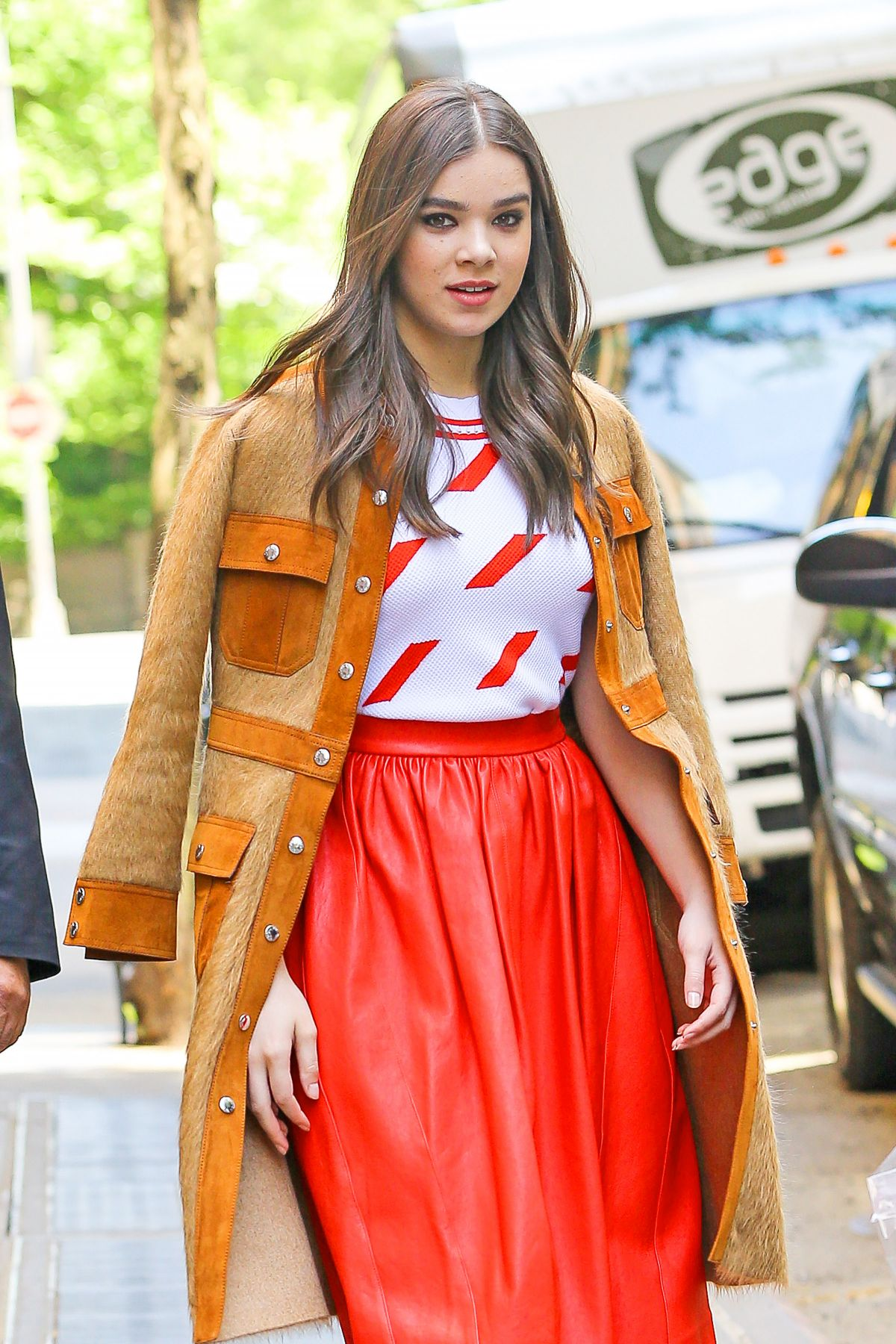 HAILEE STEINFELD Leaves The View in New York