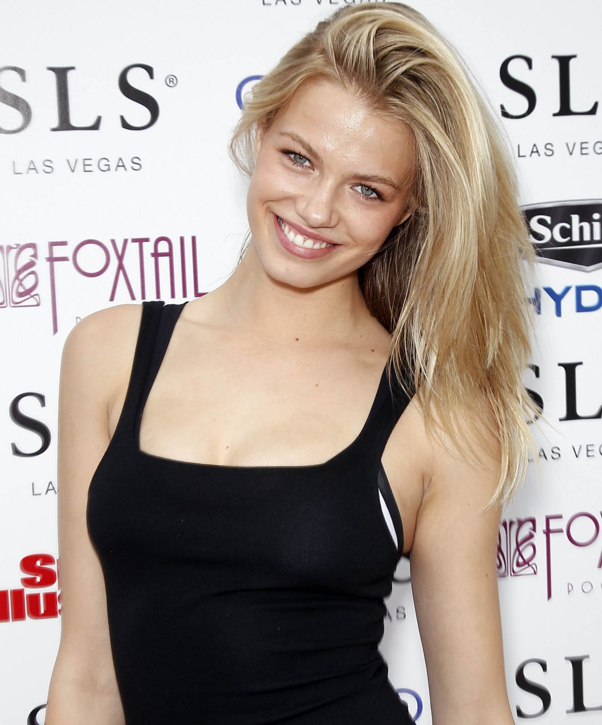 Hailey Clauson 8 Hottest Photos Of Sports Illustrated: HAILEY CLAUSON At Sports Illustrated Fight Weekend Party