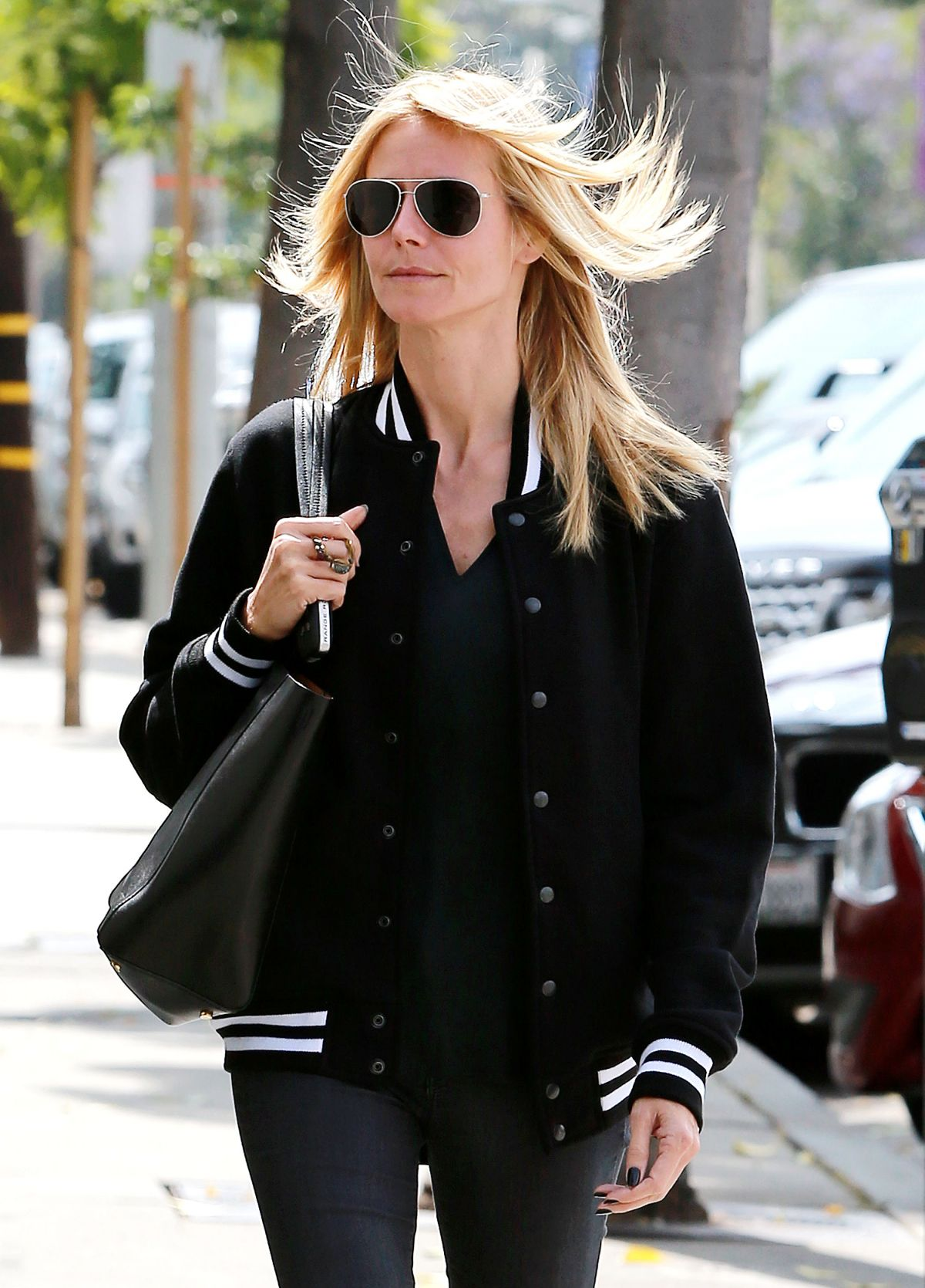 HEIDI KLUM Heading to a Hair Salon in Los Angeles 05/26/2015
