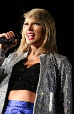 TAYLOR SWIFT Performs at Rock in Rio USA in Las Vegas