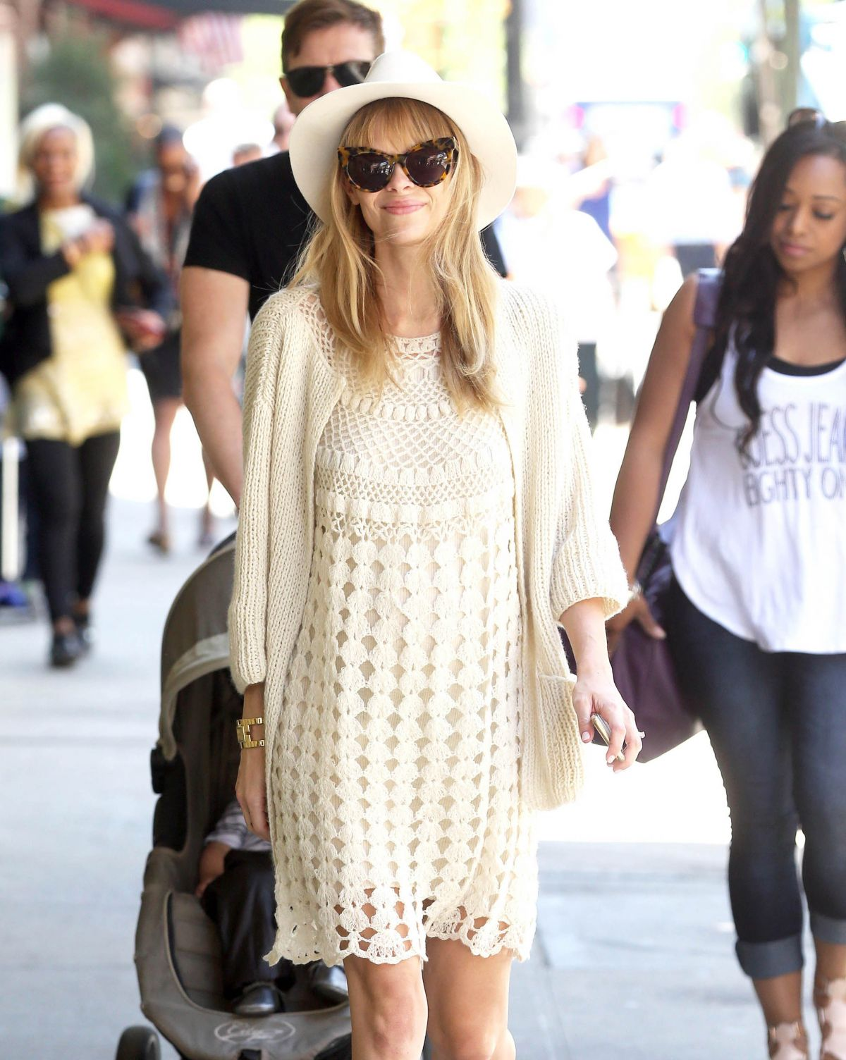 JAIME KING Out and About in Beverly Hills 05/07/2015