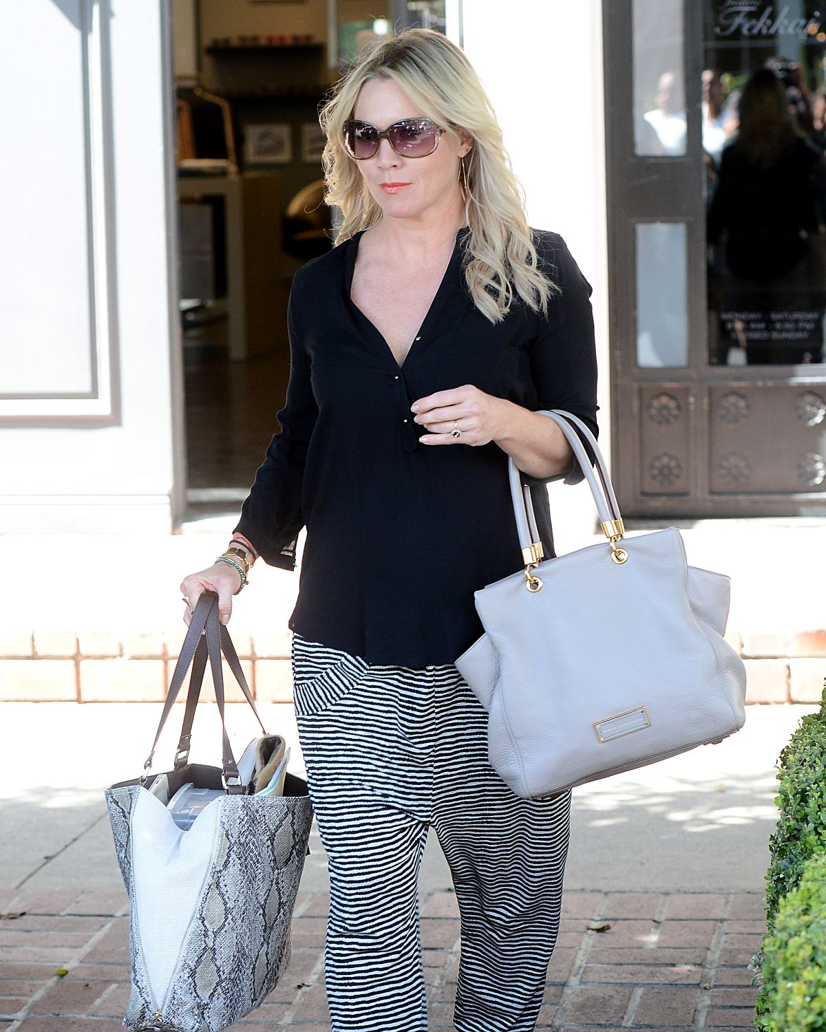 JENNIE GARTH Shopping at Frederic Fekkai Salon in Los Angeles