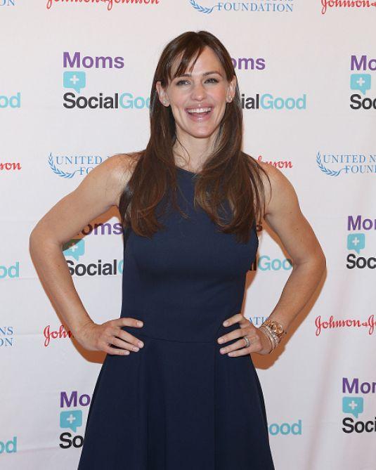 JENNIFER GARNER at Moms+social Good Global Moms