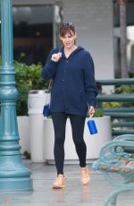 JENNIFER GARNER Out and About in Brentwood 05/11/2015