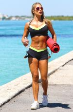 JENNIFER NICOLE LEE Workout on the Beach in Miami 05//24/2015