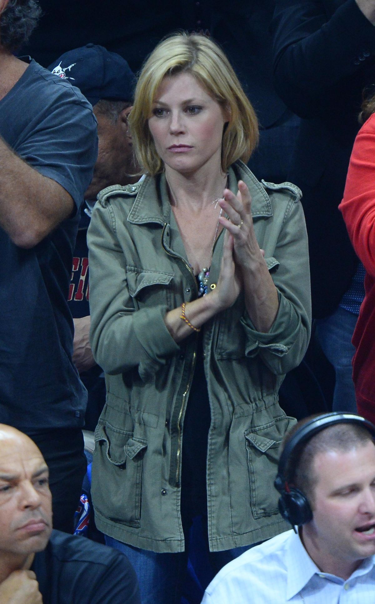 JULIE BOWEN at LA Clippers Game in Los Angeles