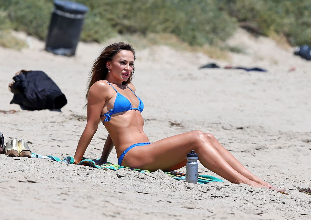 smirnoff bikini Karina in