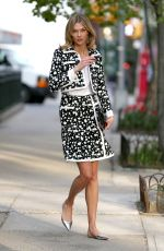 KARLIE KLOSS Leaves Her Apartment in New York 04/30/2015