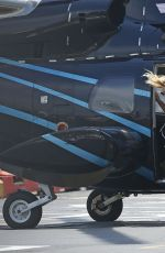 KATE HUDSON Getting Off a Helicopter in New York 05/15/2015