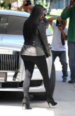 KIM KARDASHIAN Out and About in Los Angeles 05/28/2015