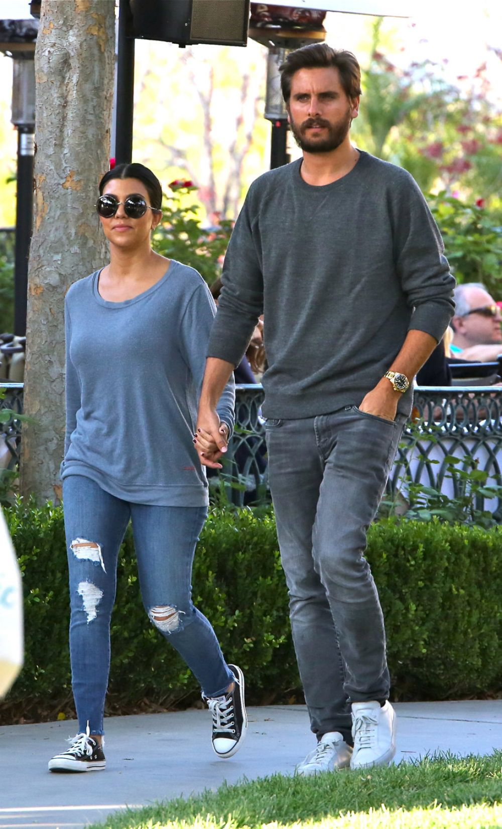 590814a8ad1d KOURTNEY KARDASHIAN and Scott Disick Out for Dinner in Calabasas ...
