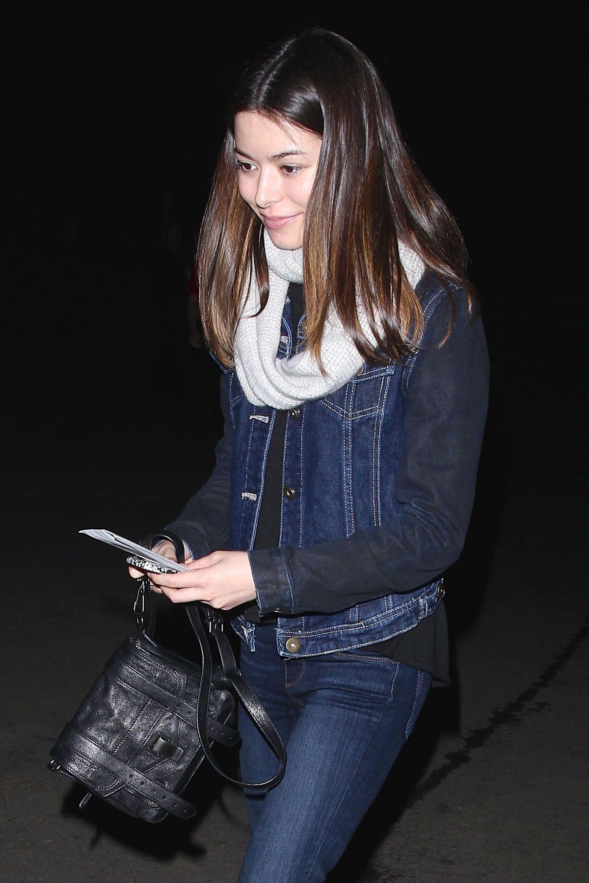 MIRANDA COSGROVE Arrives at Lana Del Rey Concert in Los Angeles